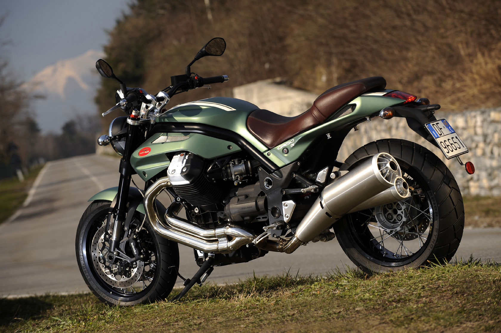 Name:  2010-MotoGuzzi-Griso12008VSEa.jpg Views: 251 Size:  365.3 KB