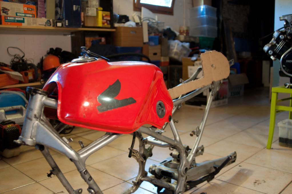 Name:  Cafe-racer VF400F-8.jpg Views: 11168 Size:  77.5 KB
