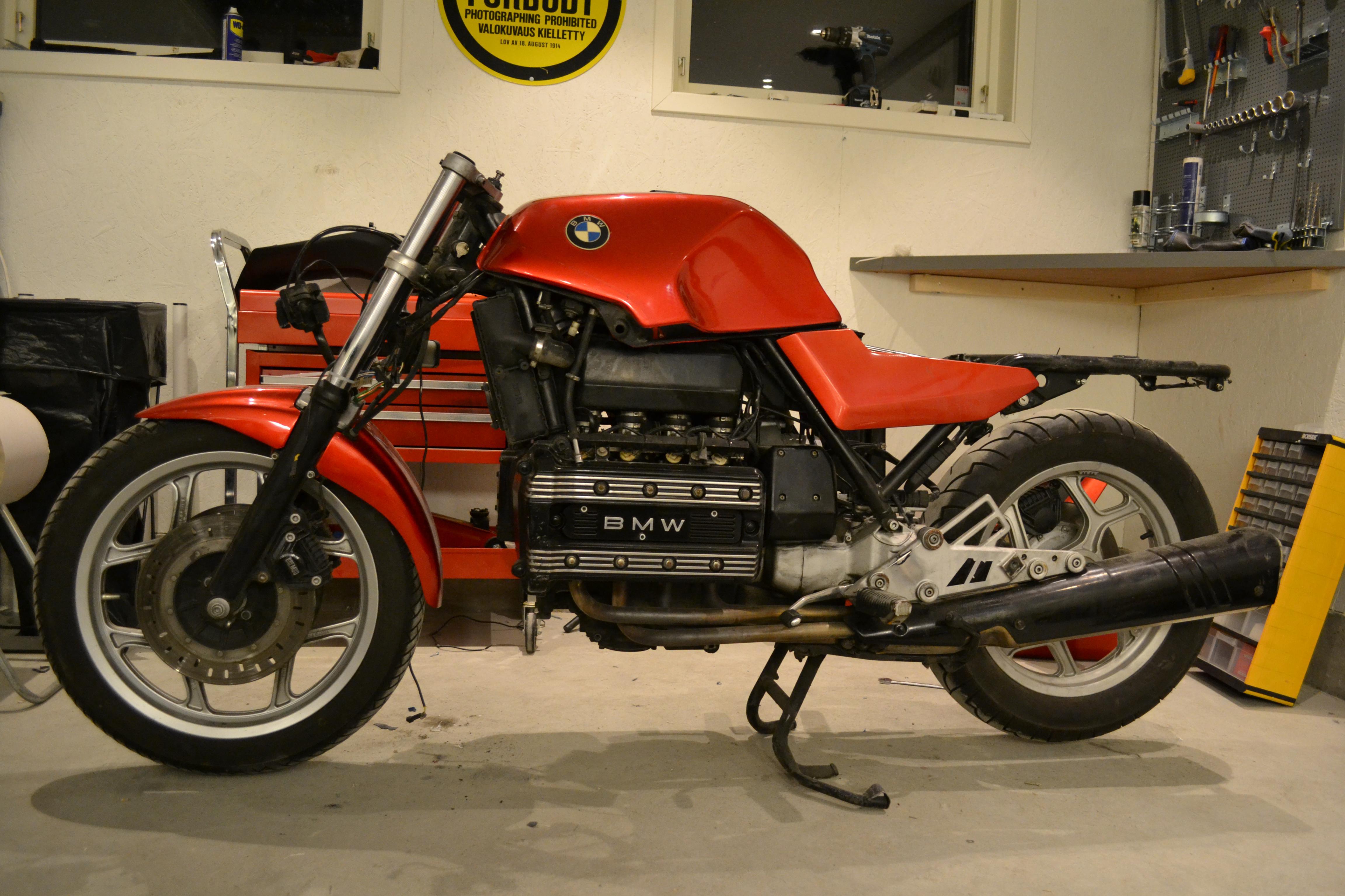der rote baron - bmw k100 cafe racer