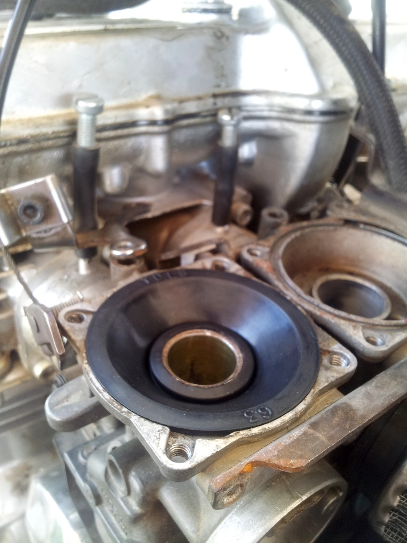 Yamaha XJ550 Diaphragm Replacement Tutorial Mikuni BS 28