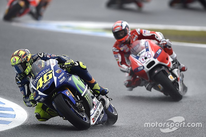 Name:  rossi in the rain.jpg