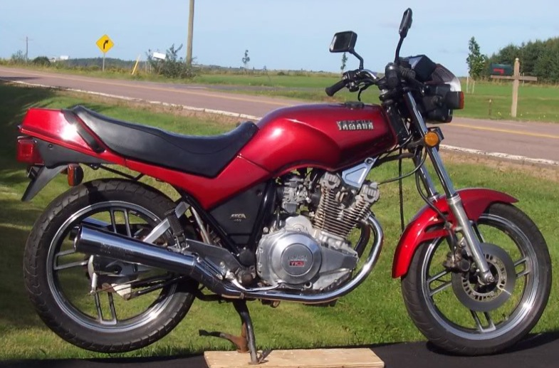 yamaha xs400 dohc the unlikely hero. Black Bedroom Furniture Sets. Home Design Ideas
