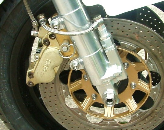 HARRIS F1 TT KZ750 EX WORLD CHAMPIONSHIP COMPETING BIKE - WORKS FORK MAGNESIUM CALIPERS